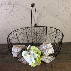 None Accents - Chicken wire rustic wedding basket